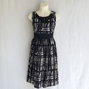 East 5th dress, size 16W, black&white, great cond.